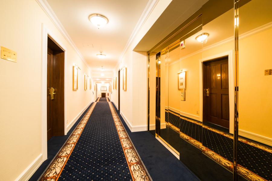 luxury suites suitess hotel dresden neumarkt. Black Bedroom Furniture Sets. Home Design Ideas