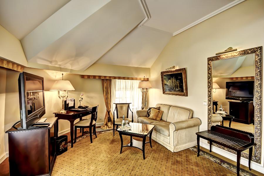 juniorsuites accommodation dresden suitess hotel. Black Bedroom Furniture Sets. Home Design Ideas