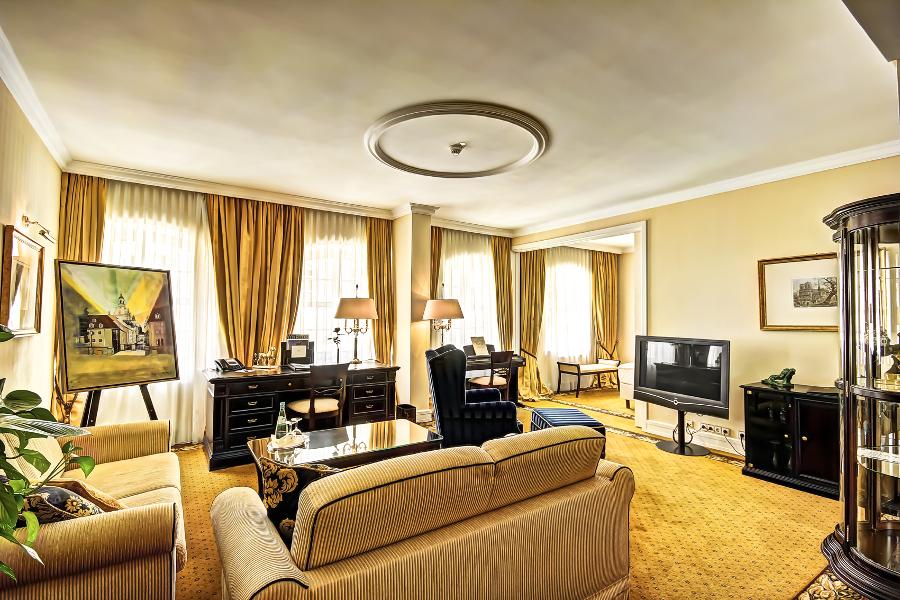suites accommodation dresden suitess hotel. Black Bedroom Furniture Sets. Home Design Ideas