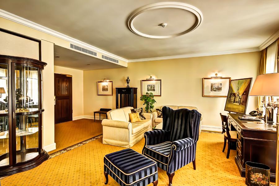 wohnzimmer bar dresden:Hotel Suites's Zu Dresden Dresden
